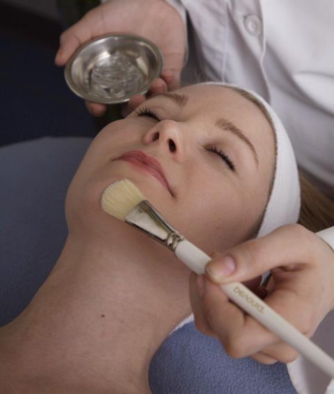 Как убрать волосы на лице - советы от специалистов