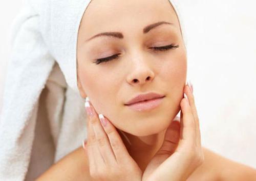 Cухая кожа лица что делать? Процедуры ухода за сухой кожей!