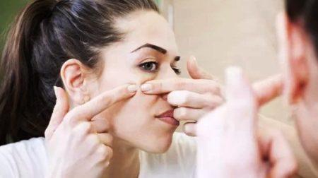 Механическая чистка лица у косметолога, но не в домашних условиях!