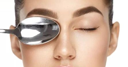 Малярные мешки под глазами: причины и лечение, а может операция?